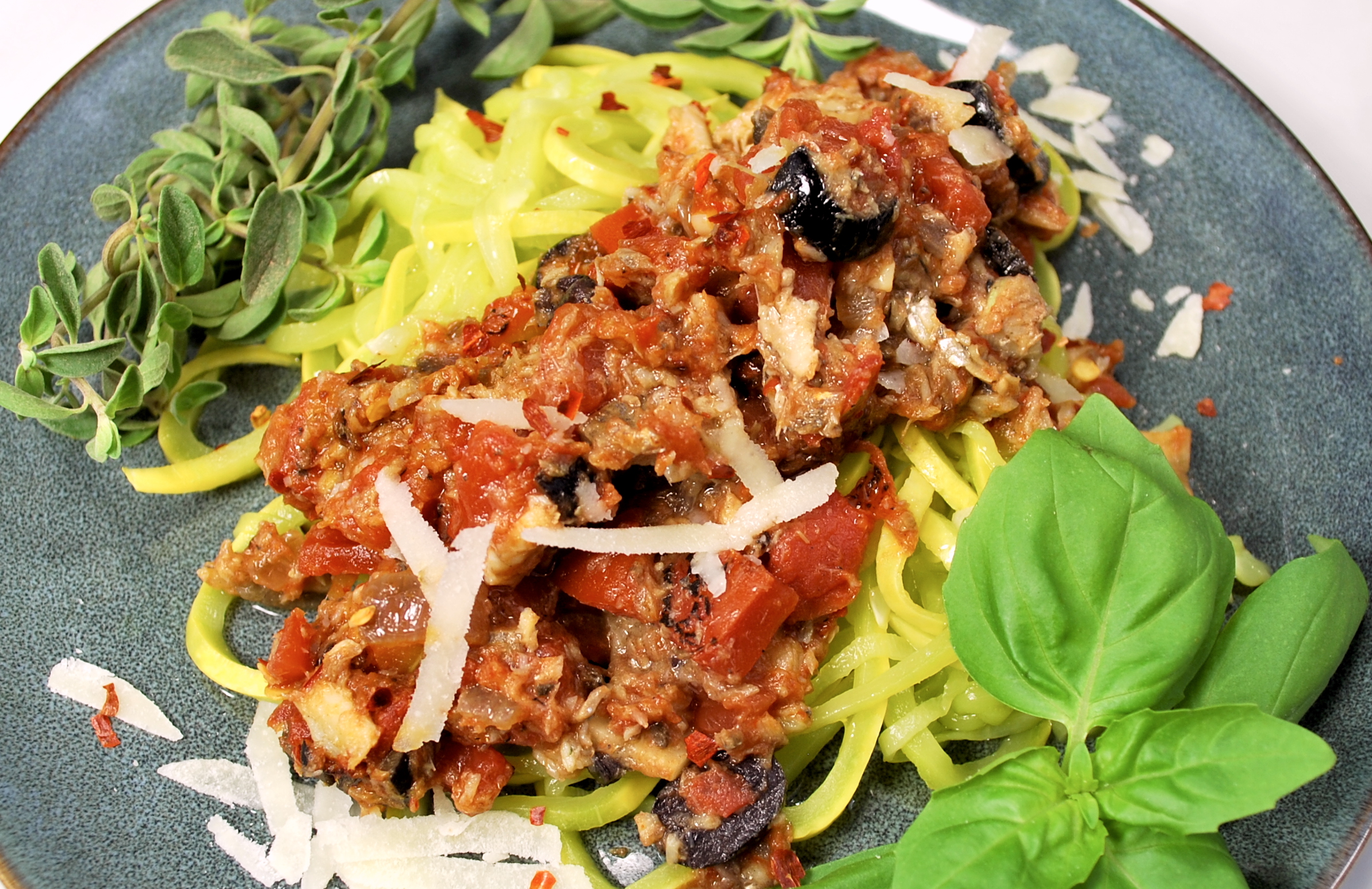 spiralizing recipes - pasta puttanesca