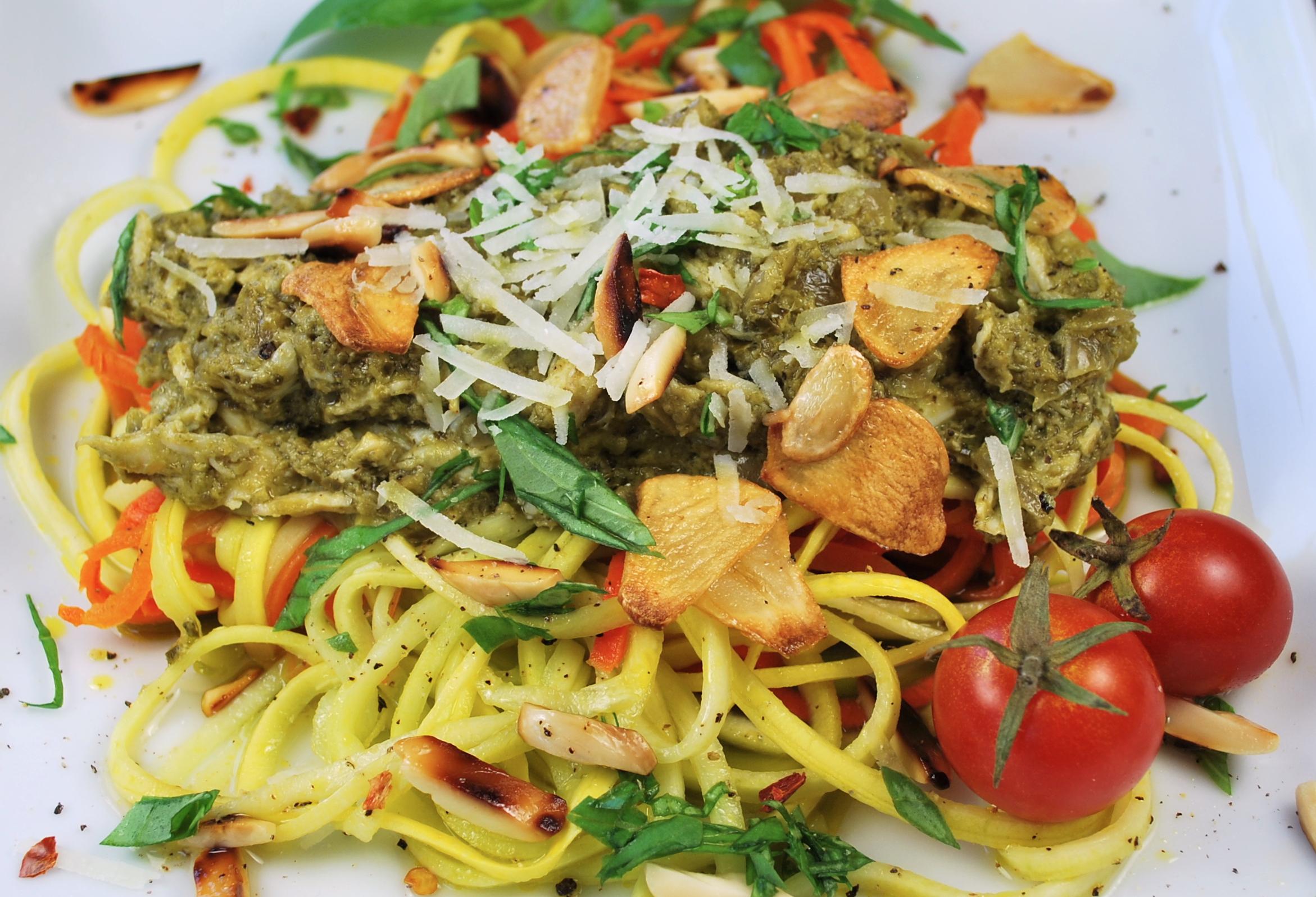 spiralizing recipes - chicken pesto pasta